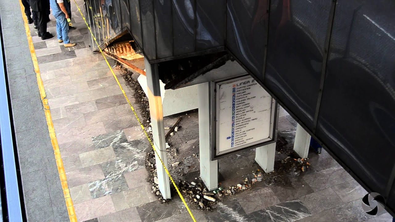 Se cae escalera de concreto en metro nativitas youtube for Escalera 8 metros