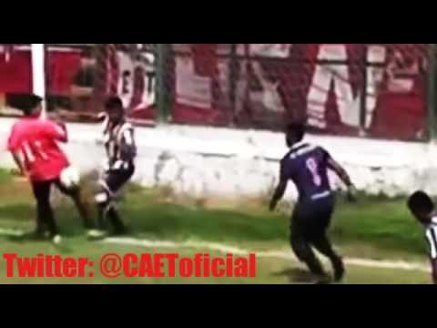 El gol claramente válido de Estudiantes frente a Sarmiento