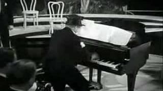 Harpo Marx plays Wreckmaninoff