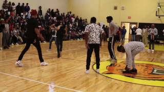 Ayo & Teo Pep Rally Performance @freakyday_ @kingkumo_ HiiiKey Video