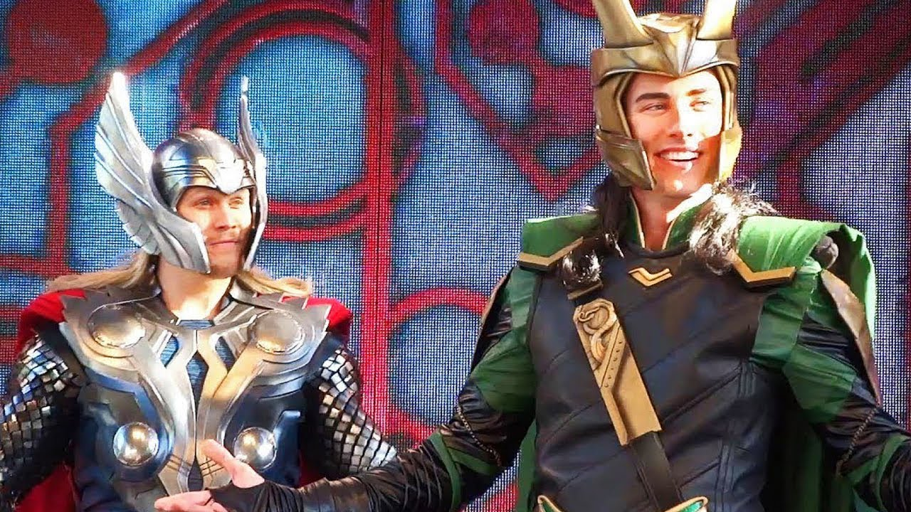 cdcf3784076d NEW Loki & Thor Character Mini-Show for