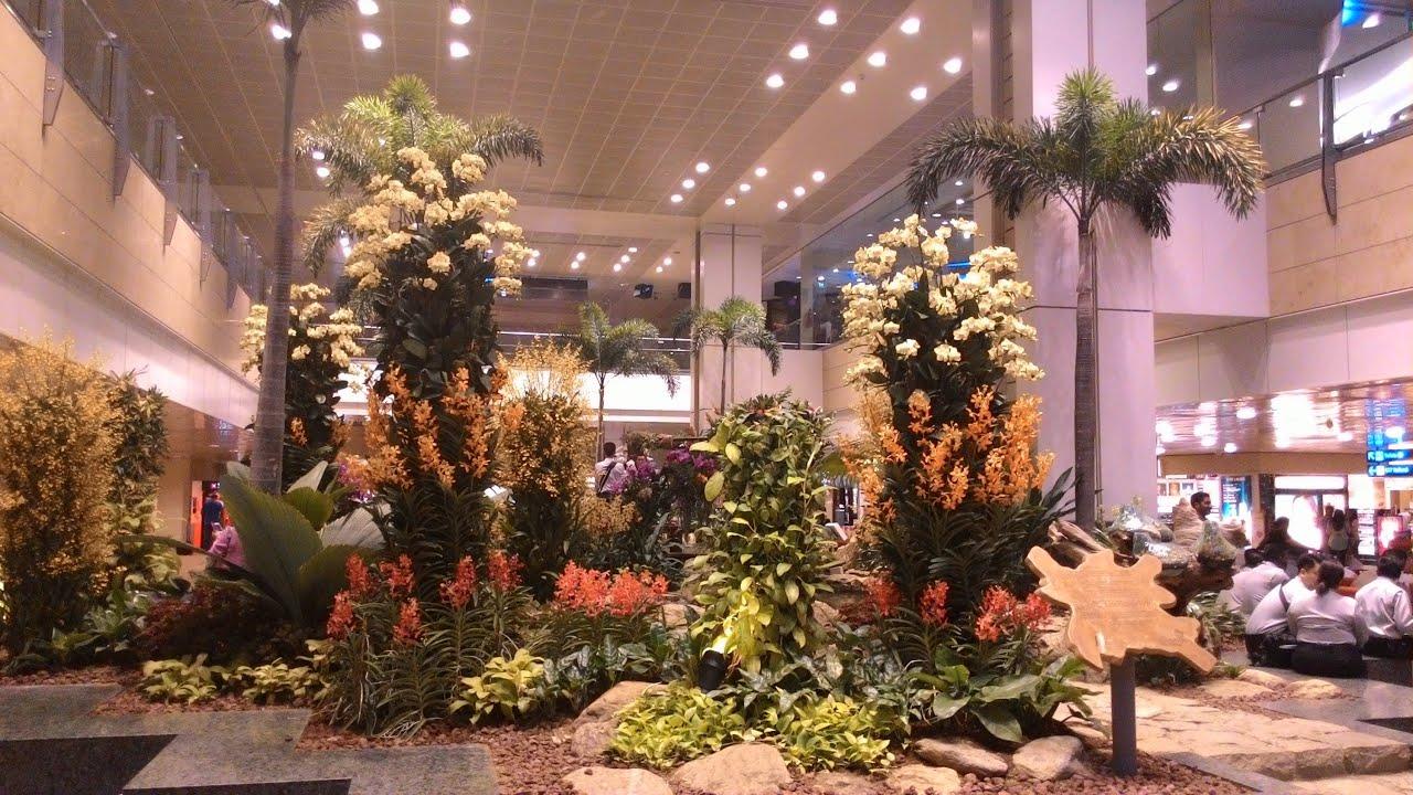A walk through Singapore Changi airport terminal 2 - YouTube