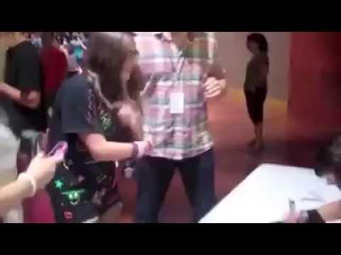 [ACTUAL FOOTAGE] Christina Grimmie Shot Dead At Orlando Concert