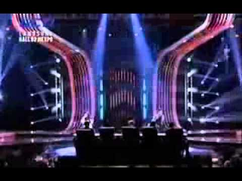 Fatin Shidqia Feat Novita   Love You Like A Love Song & Set Fire To The Rain   X Factor   YouTube