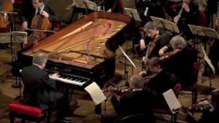 Andras Schiff plays Mozart Piano Concerto N.20 K.466