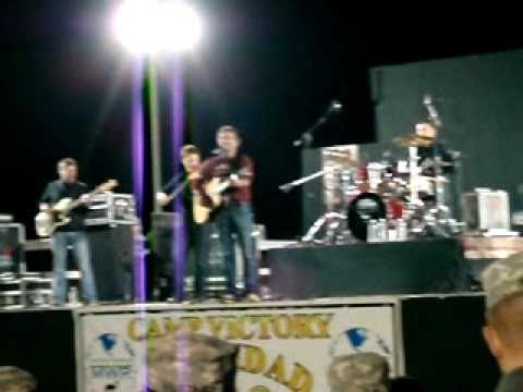 Craig Morgan live in Baghdad, Iraq with gun fire