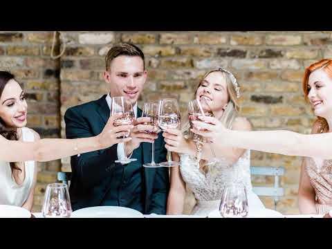 Fun, unawkward wedding photography