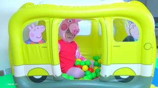 Melody Play with Inflatable Peppa Pig Family Camper Van Playland
