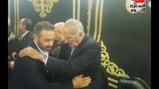 لحظة وصول حازم إمام وسليمان والمعلم عزاء أحمد رفعت