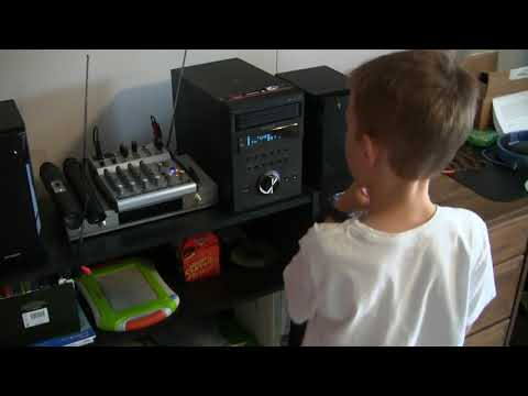 Jonah's Epic Review of new 5-disc CD stereo - SHARP XL-BH250 - part 4
