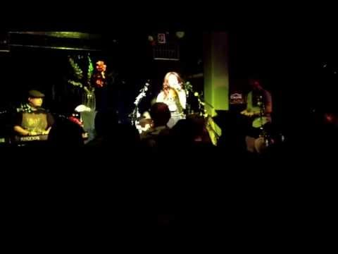 When We Were Young - Janet Devlin (live at The Jazz Cafe, London - 25/9/13)