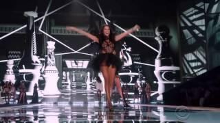 Taylor Swift   Style Victoria's Secret Fashion Show 2014