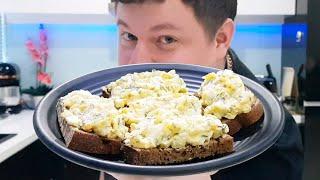 Закуска с яйцом и сельдереем.