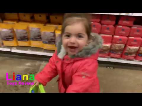 Pretend Play Shopping with Toy Cart Play with Liana