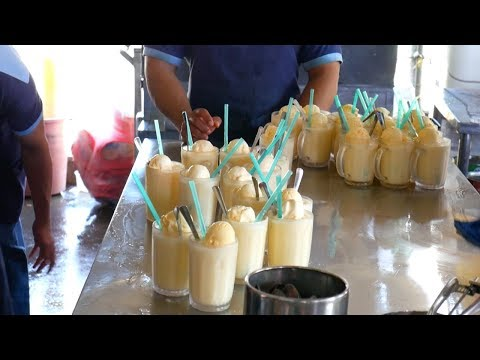 KUIH KERIA, COCONUT SHAKE, NASI LEMAK in MELAKA-  famous food  | Food and Travel Channel | Malaysia