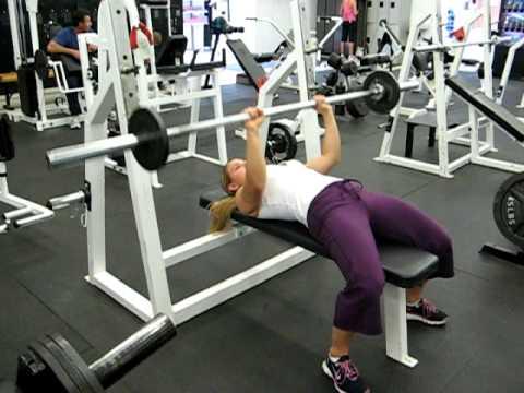 Amanda - Close Grip BB Bench Press - Women