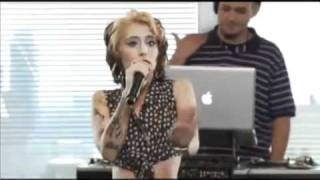 Kreayshawn Performing Live Running Out Of Breath (Gucci Gucci)