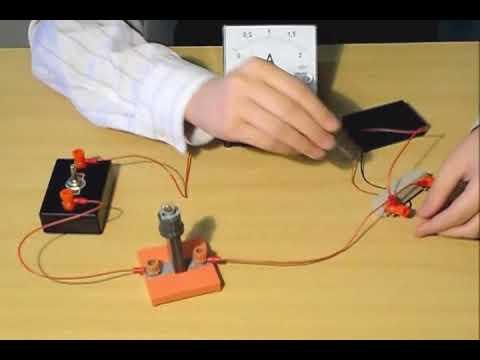 Сборка электрической цепи и измерение силы тока в ней #ФизиканскиеЛьвы2018