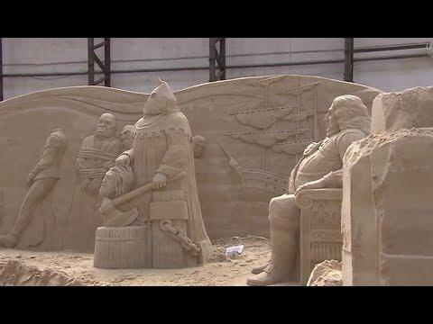 """Aufbau des """"Sandskulpturen-Festivals"""" in Travemünde"""