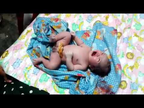 Berapa Panjang dan Berat Normal Bayi Usia 0 Sampai 12 Bulan?
