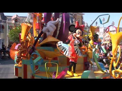 Mickey's Soundsational Parade, Disneyland (Full Parade in ...