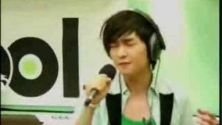 [260908] Sukira - Onew singing Cracks Of My Broken Heart