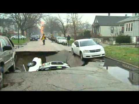 Chicago Flood And Sinkhole April 18 2013