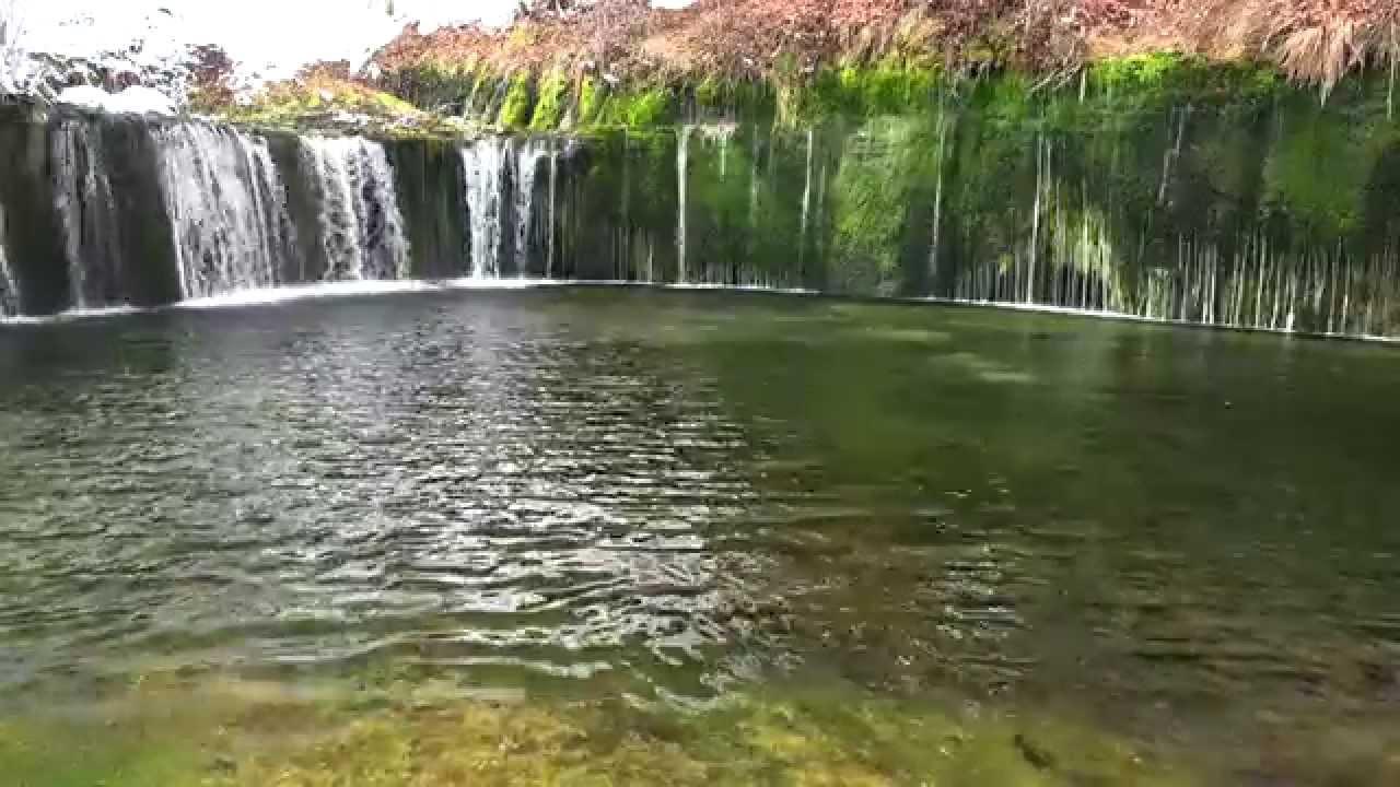 春を待つ軽井沢の白糸の滝・4K撮影 - YouTube