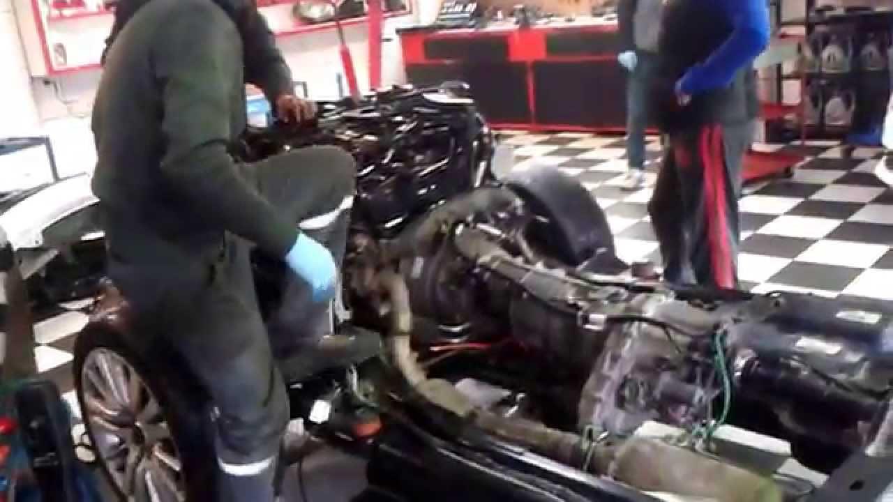 Land Rover Hse >> Range Rover Motor ve Gövdenin Ayrılması - YouTube