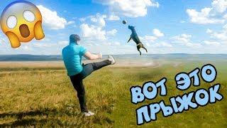 фаина питбуль))) играем с собакой в футбол)))