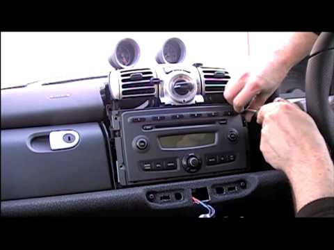 How To Remove A Smart Fortwo 450, 451 And Roadster Stereo