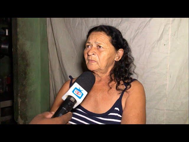 IDOSA COM DIABETES VIVE NO ESCURO EM ITAMBÉ, PRECISA DE ALIMENTOS
