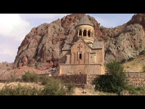 Армения В окружении красных скал Монастырь Нораванк