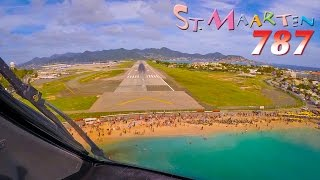 Boeing 787 over world famous Maho Beach!