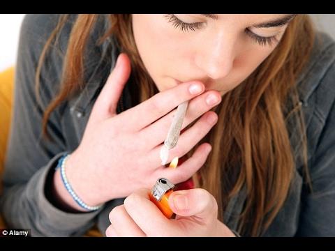Otak Remaja Perokok Ganja Tertinggal Tiga Tahun di Belakang Rekan-rekannya