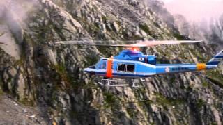 岐阜県警察ヘリコプター 標高3000m穂高岳山荘に着陸
