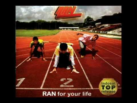 Unduh lagu RAN Auramu Mp3 online