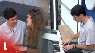 Alfred-le-compone-una-canción-a-Amaia-por-su-cumpleaños-OT-2017