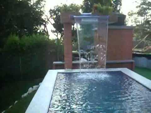Cortina de agua sobre picina youtube for Construccion de piletas de agua