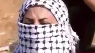 معركة ساخنة بين قوات الجيش الاسرائيلي وبعض الفلسطينيين الشجعان ،الله ينصر الاقصى والمسلمين !!