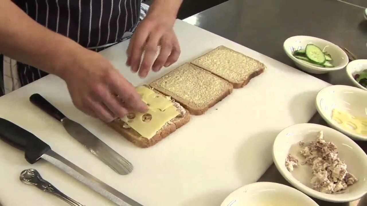 How To Make A Club Sandwich Youtube