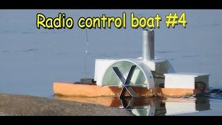 Как сделать радиоуправляемый колесный катер пароход своими руками / Кораблик Секрет Мастера(Радиоуправляемый колесный катер оборудован системой радиоуправления с самодельной рулевой машинкой на..., 2016-06-26T14:30:00.000Z)