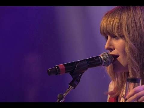 Video Charlotte Savary - Bang Bang - Le Grand Studio RTL