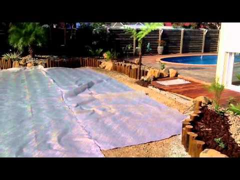 Pose g otextile tina youtube - Comment poser geotextile jardin ...