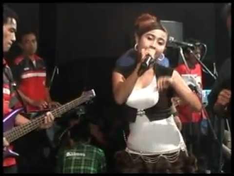 Menunggu-Halmahera musik live in Kajen Pekalongan