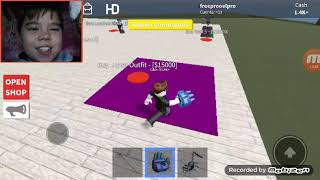 I play roblox with my ermano