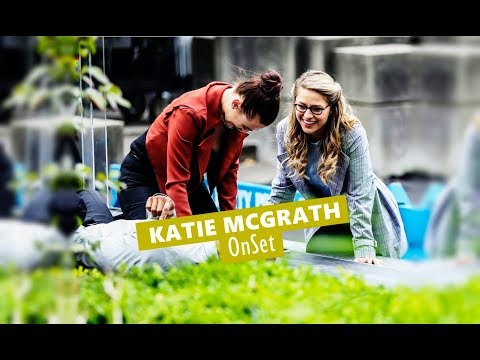 Katie Mcgrath  Supergirl On Set  0830 Vancouver