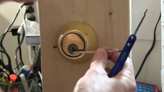 (107) Way to Mąke Your Deadbolt Unpickable While Out of Town
