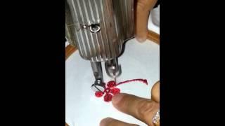 Bordado movimento livre na máquina de costura de pedal