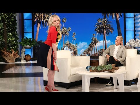 Elisabeth Moss Redeems Herself with Twerking Skills